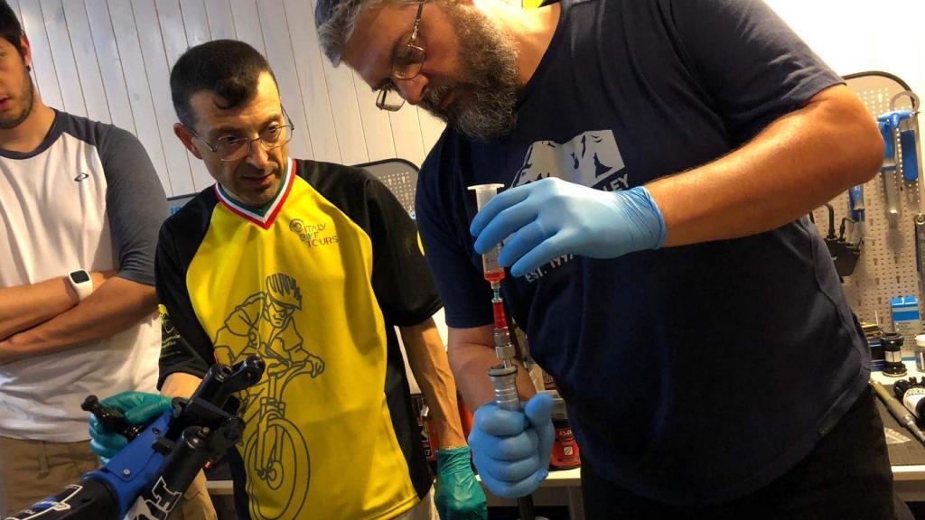 Workshop Sospensioni pulizia sospensione