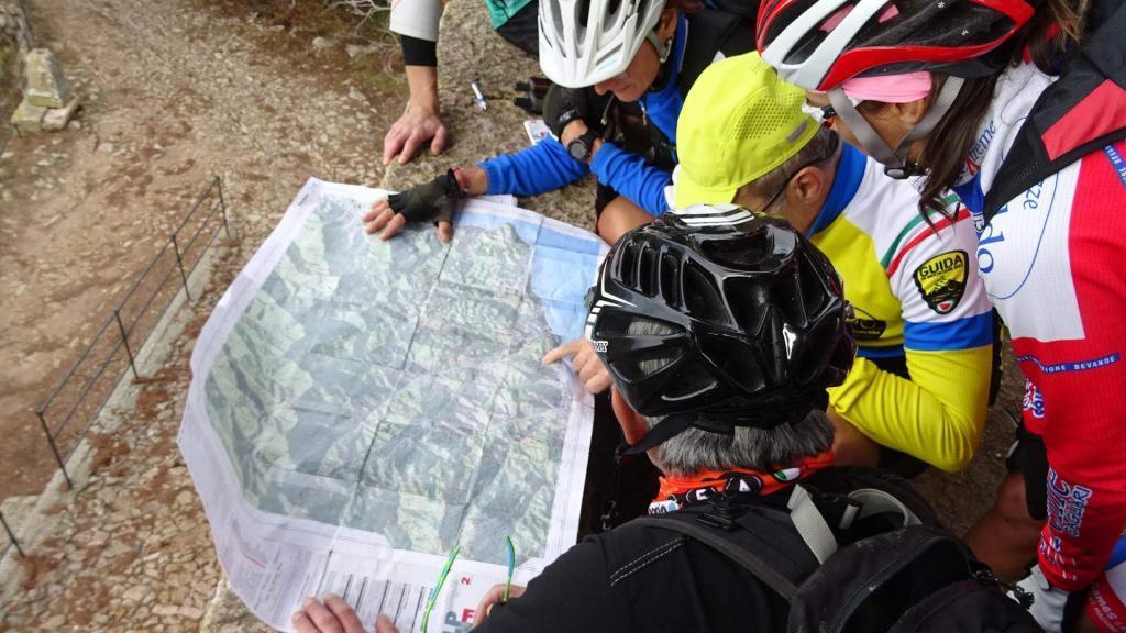 Lezione di topografia a Finale Ligure